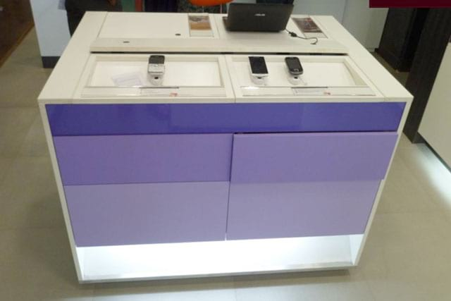 docomo display counter front view