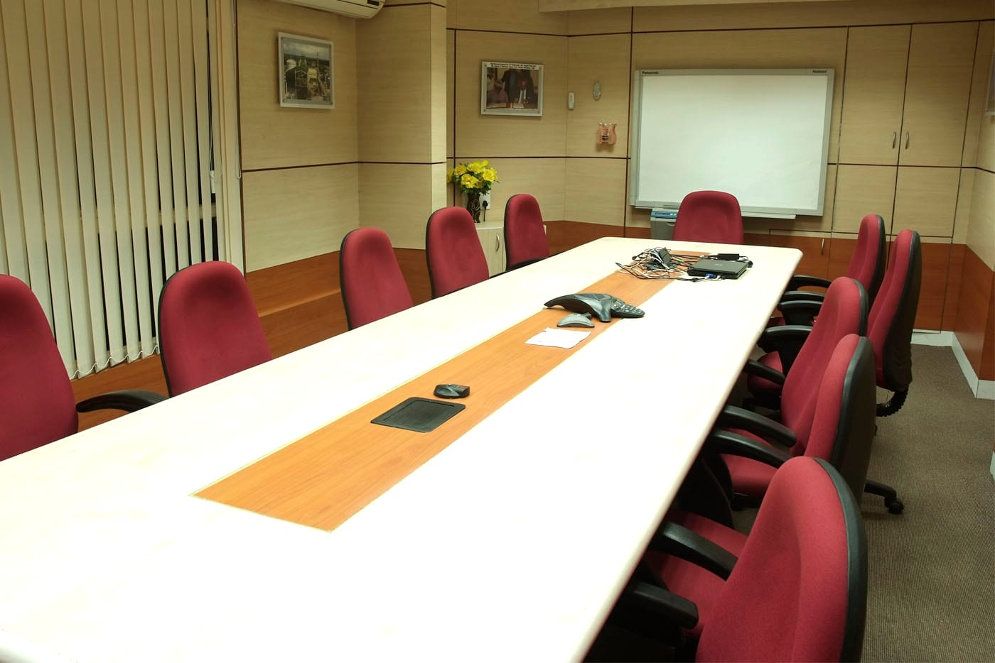isgec office furniture chair meeting table
